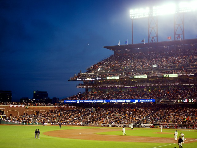 SF Giants versus AZ Diamondbacks - April 2014 MLB