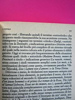 Soglie, di Gérard Genette. Einaudi 1989. Responsabilità grafica non indicata [Munari]. Indicazione del capitolo (a sinistra in alto alla pagina dispari, allineato al margine interno del testo) (part.), 1