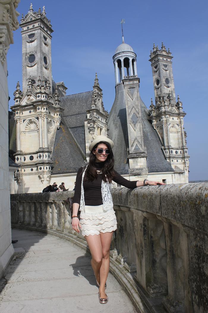 diana dazzling,fashion, fashion blog, fashion blogger, streetstyle, Chambord, Loira, Castillos del Loira, chateaux de Loire, Loire casttle, encaje, lacy shorts