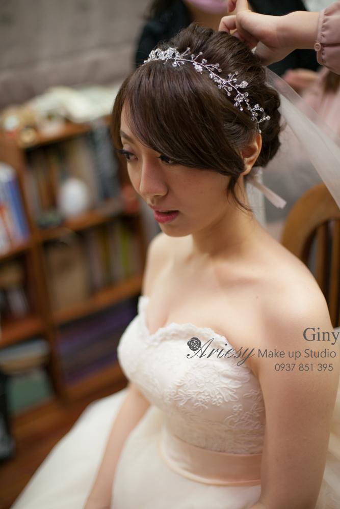 Giny,愛瑞思造型團隊,台北新娘秘書,新娘秘書,清透妝感,蓬鬆盤髮,歐美手工飾品,旗袍造型,編髮