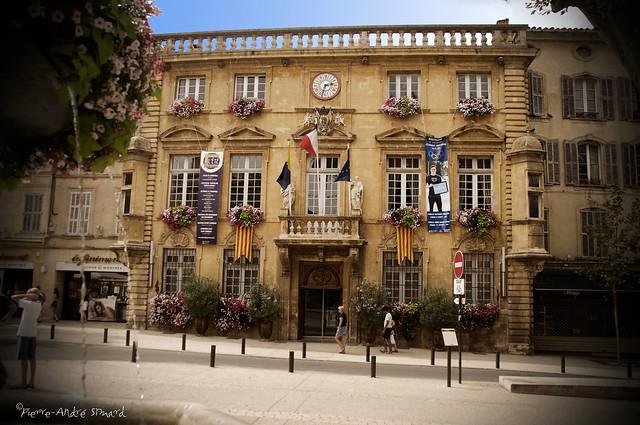Hôtel de Ville ...