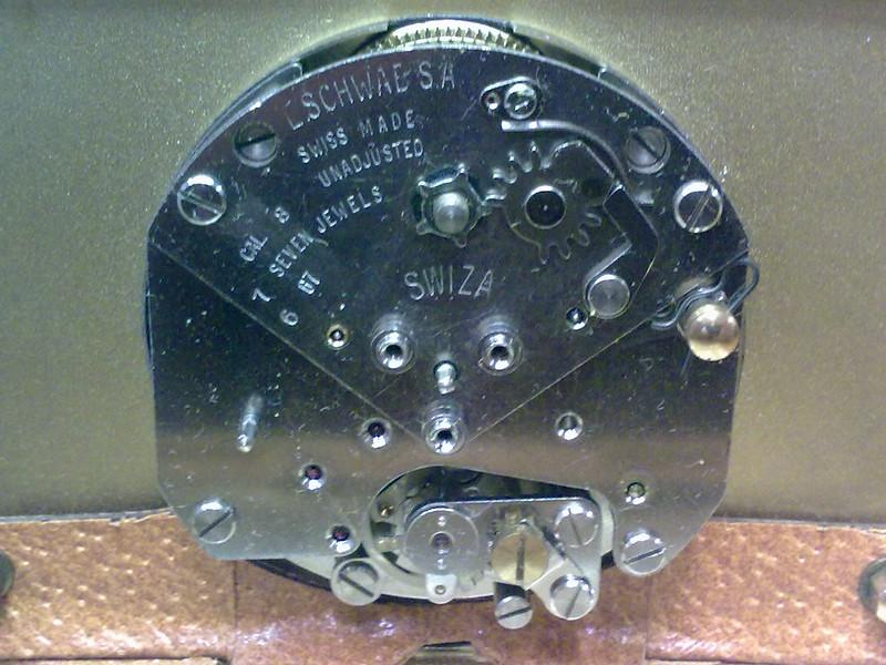 53f10cc94649 Nueva Adquisición en el rastro. Despertador Swiza
