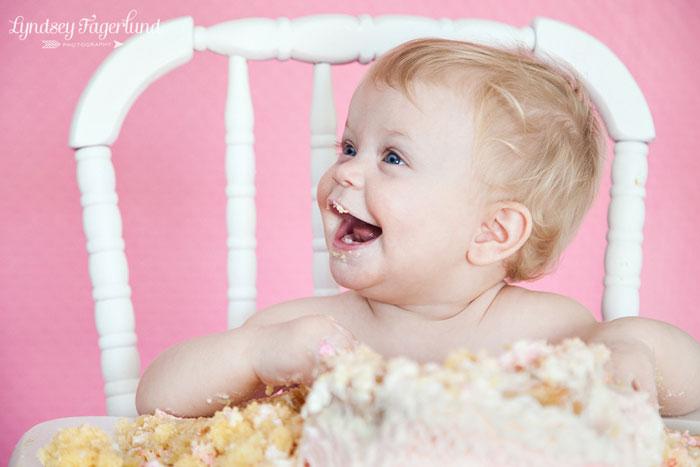 ruffled-buttercream-smash-cake