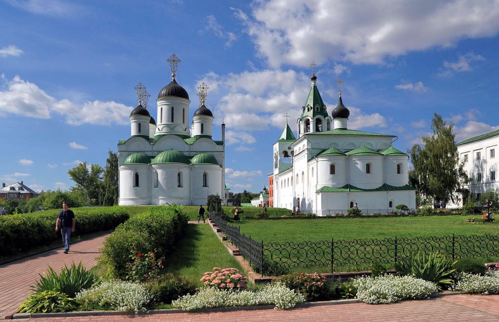 Catedral de la Transfiguración e Iglesia de San Basilio, en Murom. Óblast de Vladimir. Autor, Alexxx Malev