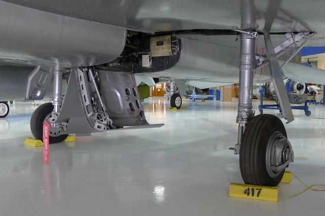 Hauptfahrwerk: North American F-100D Super Sabre