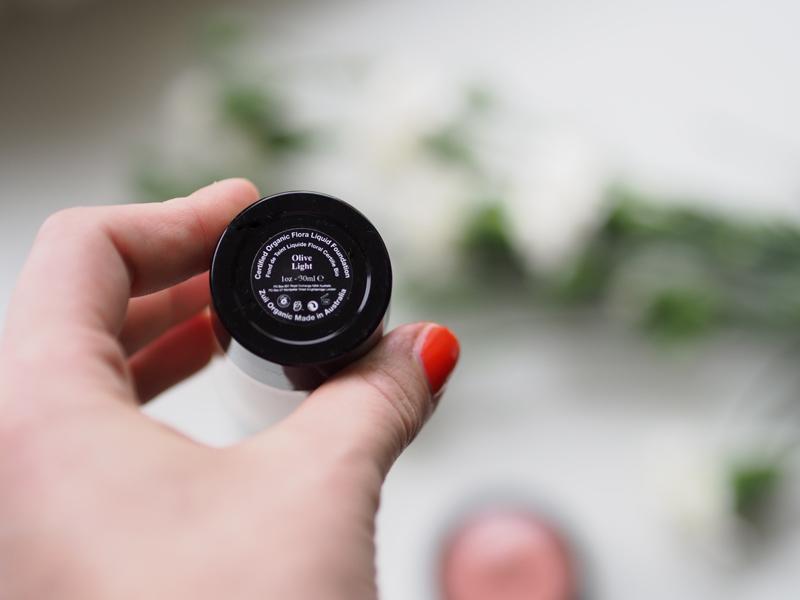 zuii meikkivoide olive light