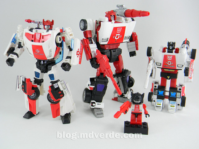 Transformers Red Alert - Masterpiece - modo robot vs otros Red Alert