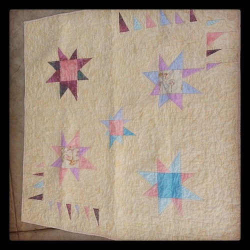 Very sweet baby quilt.