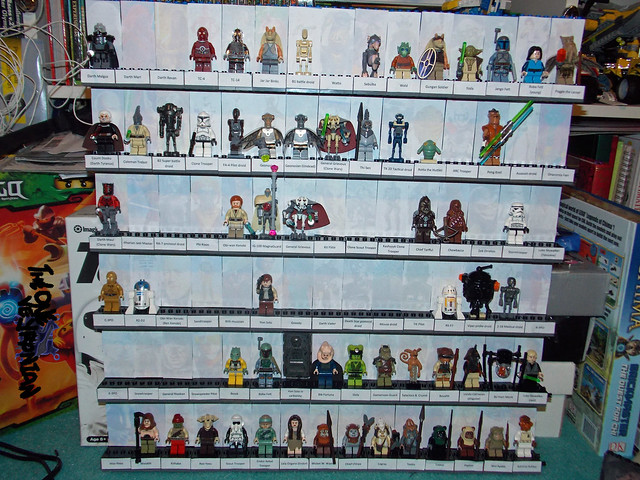 LEGO Star Wars minifig display