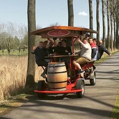 cerveza + ciclismo + amigos