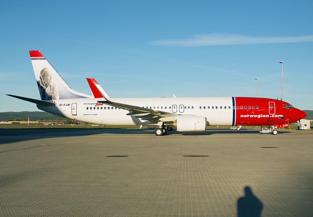 EI-FJW - B738 - Norwegian Air International
