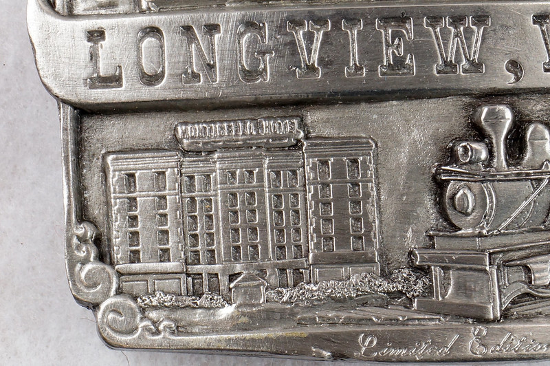 RD14449 1984 Siskiyou Belt Buckle LONGVIEW, WA Limited Edition Shay Locomotive, Monticello Hotel, Logger DSC06376