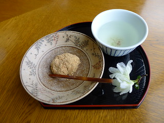 Tea and sweet Nara ryokan