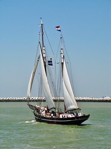 IRIS (37) Oostende voor Anker 2012 3 Foto's - 3 Photo's