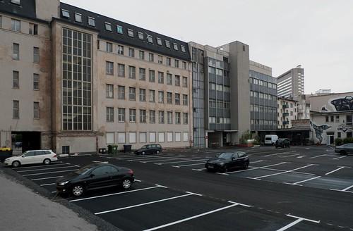 Rückseite von Atelierfrankfurt, jetzt ein Parkplatz