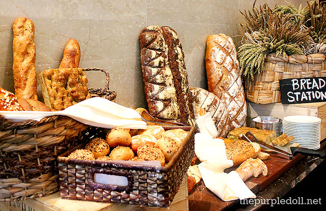 Bread Station