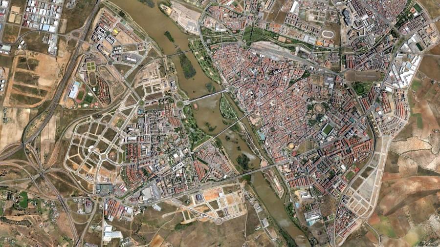 Mérida, Badajoz, Emerita Augusta, después, urbanismo, planeamiento, urbano, desastre, urbanístico, construcción, rotondas, carretera