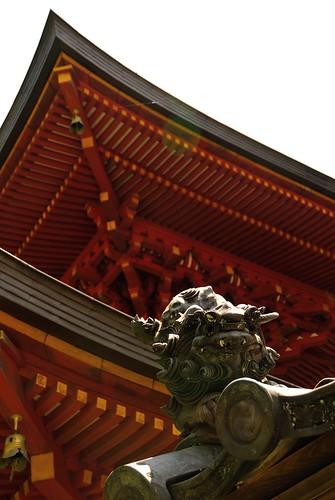 """""""Komainu"""" on the roof at Enjo-ji Temple."""