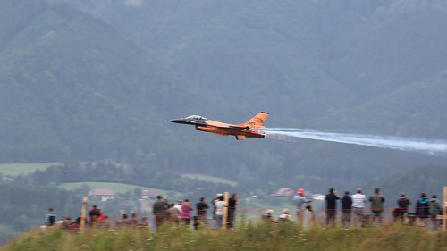 dutch demo fighter display air jet airshow f16 combat lockheed takeoff gd zeltweg rnlaf klu f16am j015
