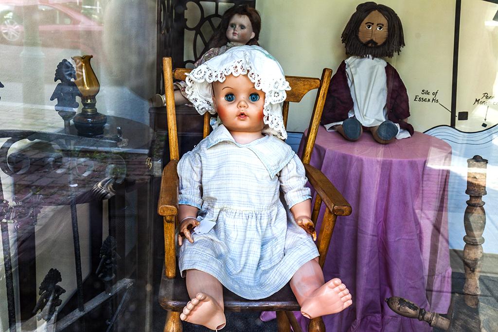 Three-dolls--Chester