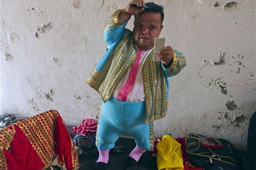 Dwarf Bullfighter. Victor Ruiz.