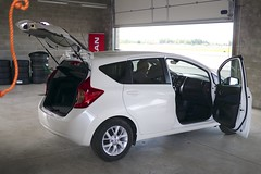 toyota vitz(0.0), automobile(1.0), automotive exterior(1.0), sport utility vehicle(1.0), vehicle(1.0), subcompact car(1.0), honda fit(1.0), land vehicle(1.0),