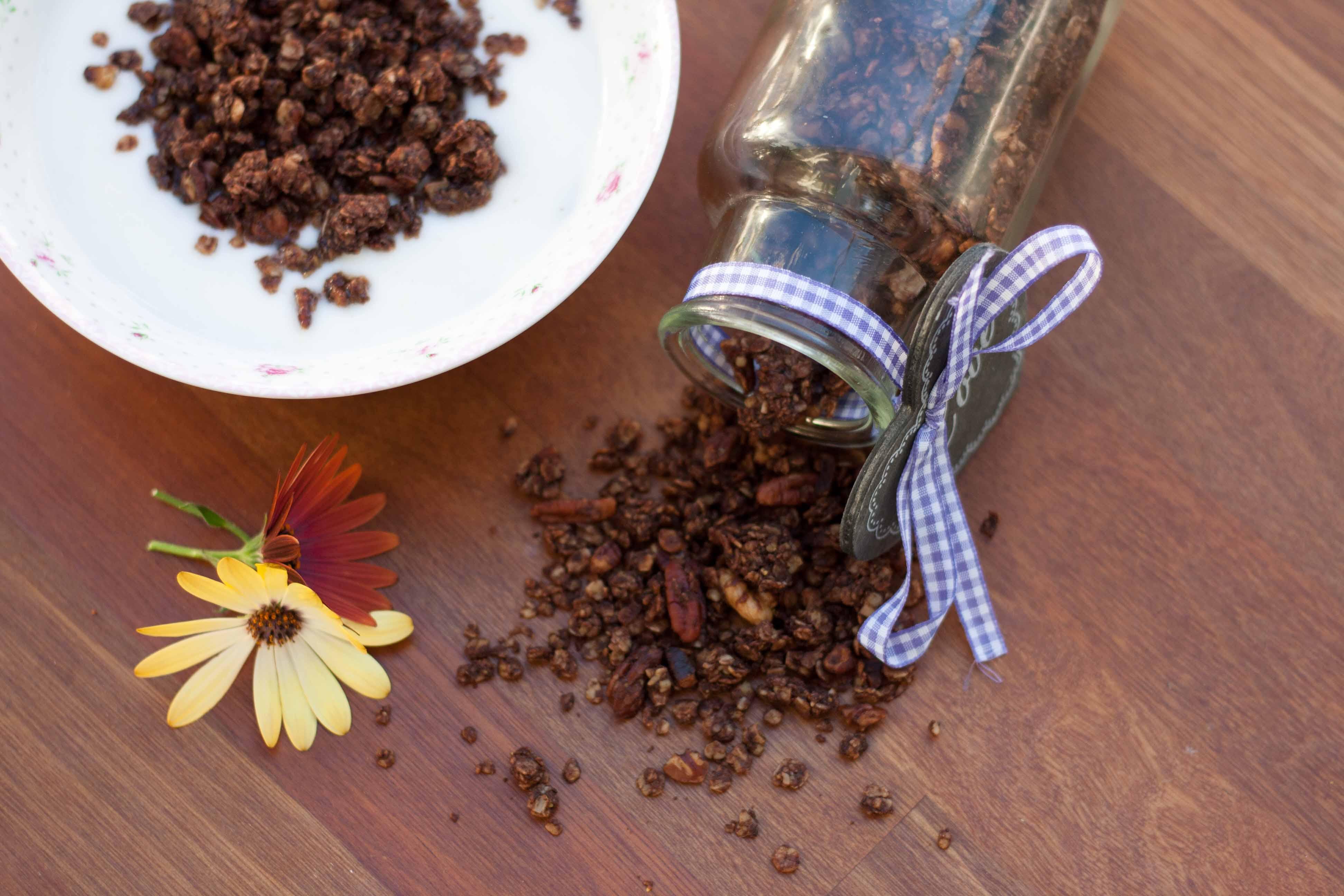 Opskrift på hjemmelavet Crunchy müsli med kakao // Chocolate Granola