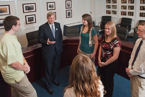 Iowa Delegates talking with Secretary Vilsack