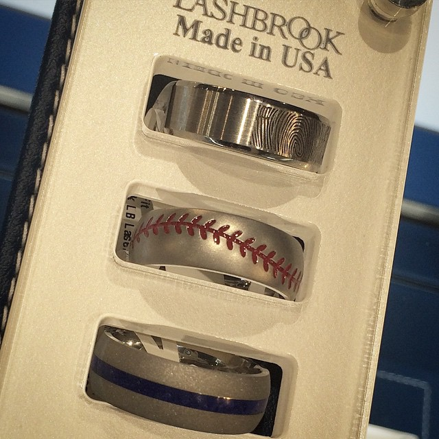 And some more unique wedding bands @robbinsbrothers #rblovephx #loveinthevalley #baseball