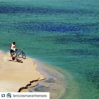 Great shot of the Lençóis Maranhenses  #Repost @lencoismaranhenses ・・・ Foto espetacular da nossa amiga  @polipenk em destaque. #lencoismaranhenses #parquedoslencois #paraiso #paisagembrasileira #lençóismaranhenses #viajar #nordestebrasileiro #viagenspelob