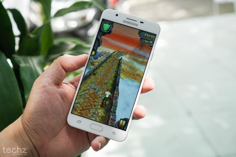Làm thế nào để chơi game mượt mà trên Samsung Galaxy J7 Prime?