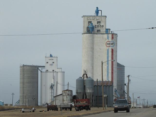 Grain elevators of Claflin