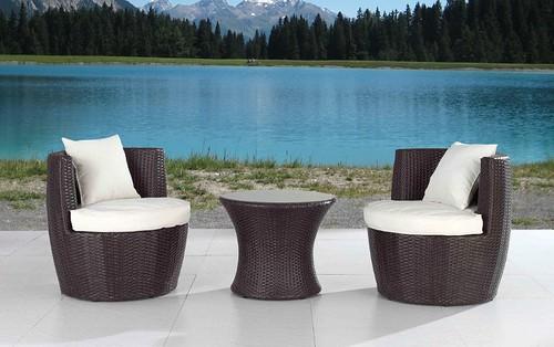 Why toronto condo balconies lack nice patio furniture blog for Condo patio furniture for small spaces