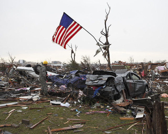 8771385435 7d3d25a25d z Photos Showing the Devastation of the Oklahoma City Tornado Aftermath