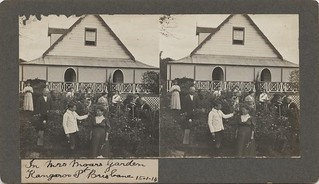 Group of people working in the garden at Kangaroo Point, 1914