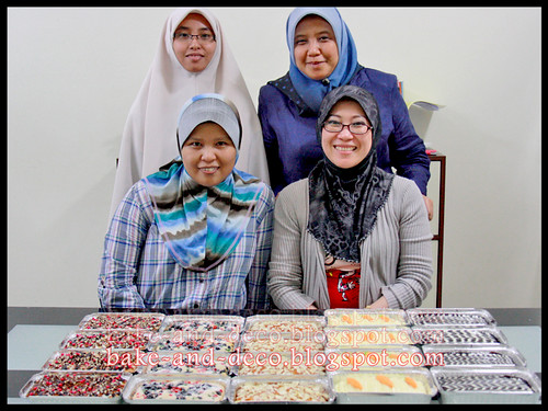 bake & Deco Classes: Mini Pack Cakes ~ 30 Sept 2012