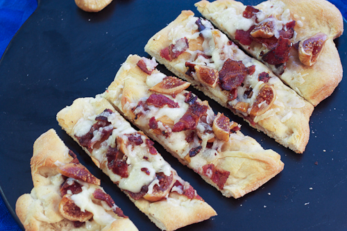 Manchego, Fig & Bacon Flatbreads #SundaySupper + @SaraMoulton Cookbook #giveaway