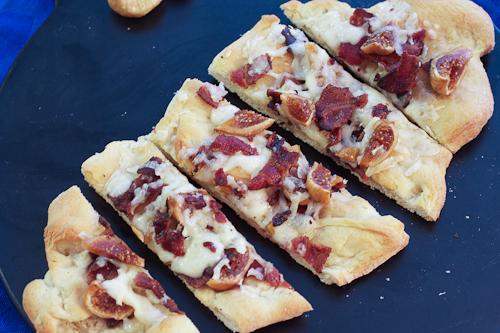 Manchego, Fig & Bacon Flatbreads #SundaySupper