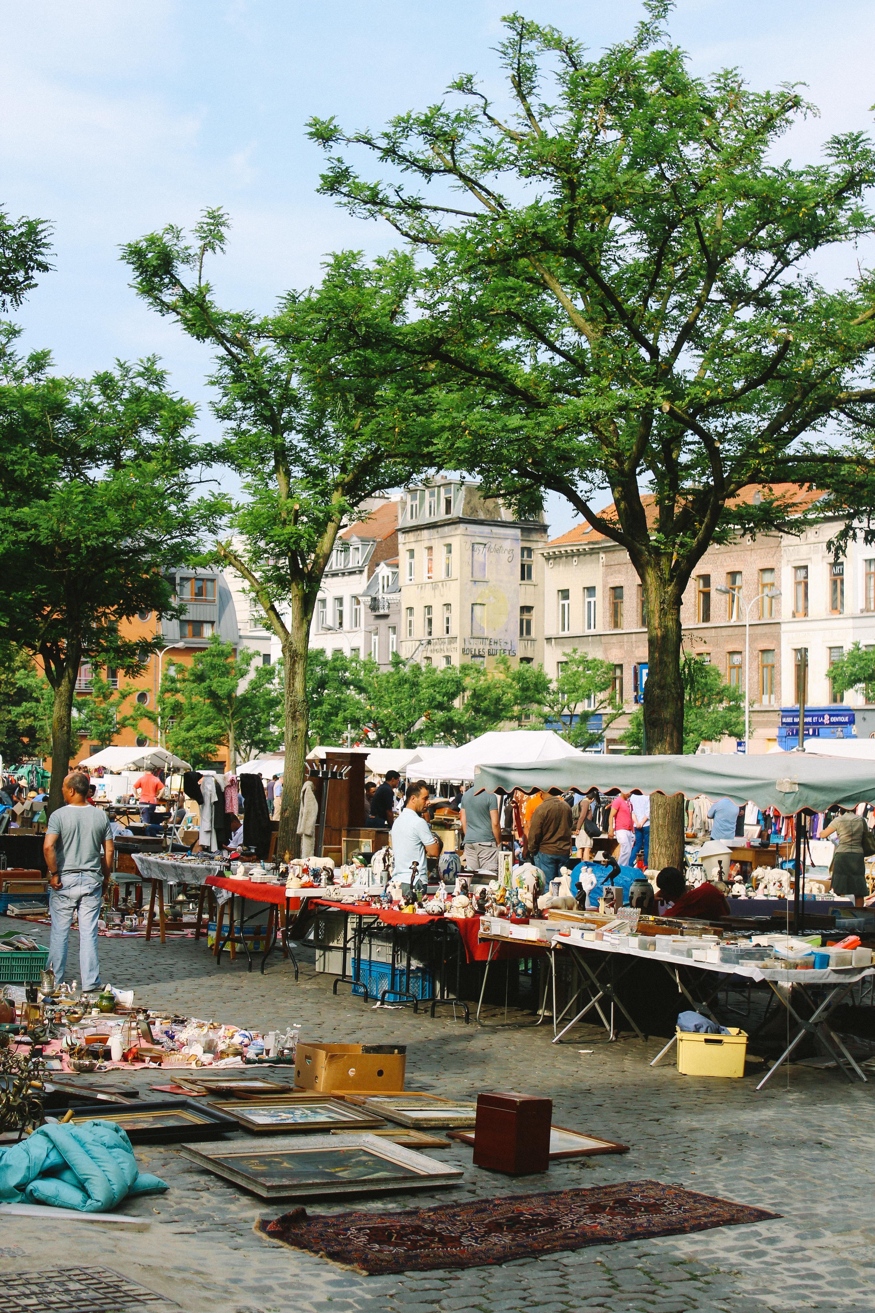 Flea Market Place du Jeu de Balle