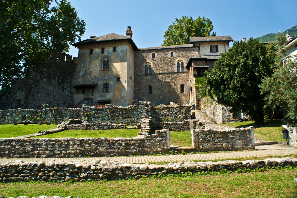 Otra vista del castillo Visconti. Autor, David Pc