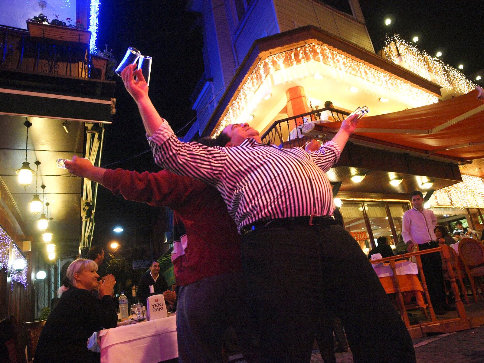 Istanbul - Les danseurs de verres