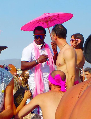 Diddy-pink-umbrella-burning-man