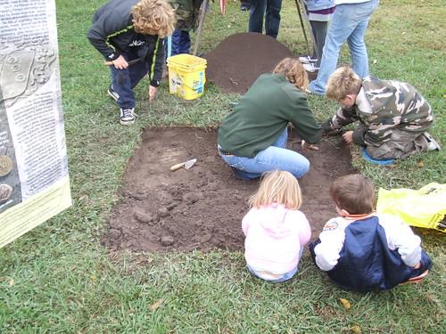 GL172 Public Dig Day  2008,6