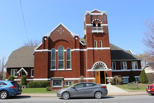 ontario church église on maxville