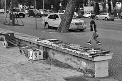 Tirana: Read!