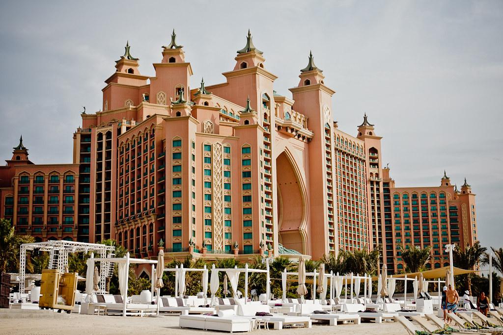 Dubai2012-800px-WM-0051