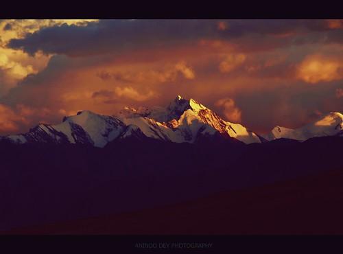sunset india mt olympus ranges karakoram himalayas ladakh tsomoriri changthang dey anindo gya sumpa abigfave e520 olympuse520 mygearandme mygearandmepremium mygearandmebronze mygearandmesilver mygearandmegold dblringexcellence oniondo anindodey mtgya