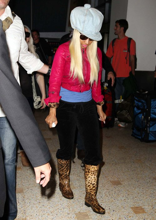 Nicki-Minaj-arrives-Sydney-Airport