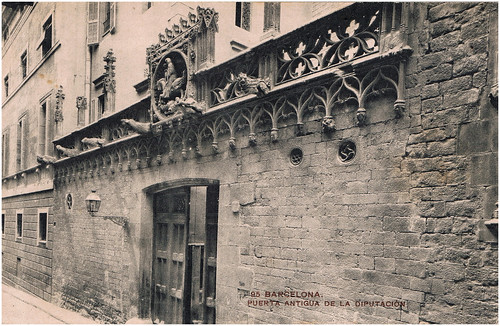 agust centelles i oss barcelona puerta antigua de la