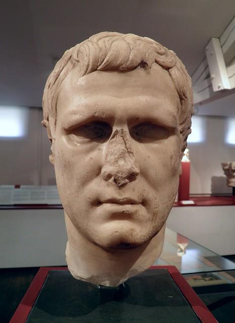 Tête de Marcus Vipsianus Agrippa, statue datant de 12 à 11 avant notre ère, retrouvée à Béziers en avril 1844 dans la maison Gasc, à l'emplacement du forum, MSR, Musée Saint-Raymond